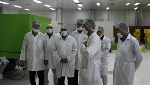 IRCS's Under-Secretary General pays unannounced visit to Helal Iran Medical Devices Company
